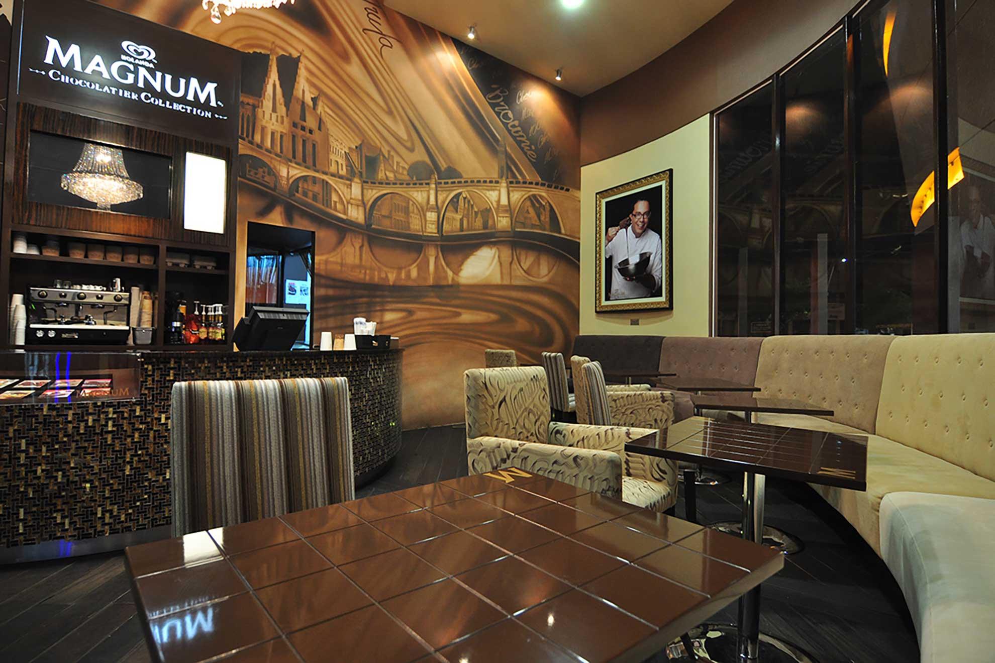 Las paletas Magnum tuvieron un espacio dedicadas a ellas en el centro comercial Antara, ubicado en Polanco, el lugar fue diseñado y creado por el despacho arquitectónico Depa 102, con texturas y materiales que representaban la esenica de esta famosa Paleta