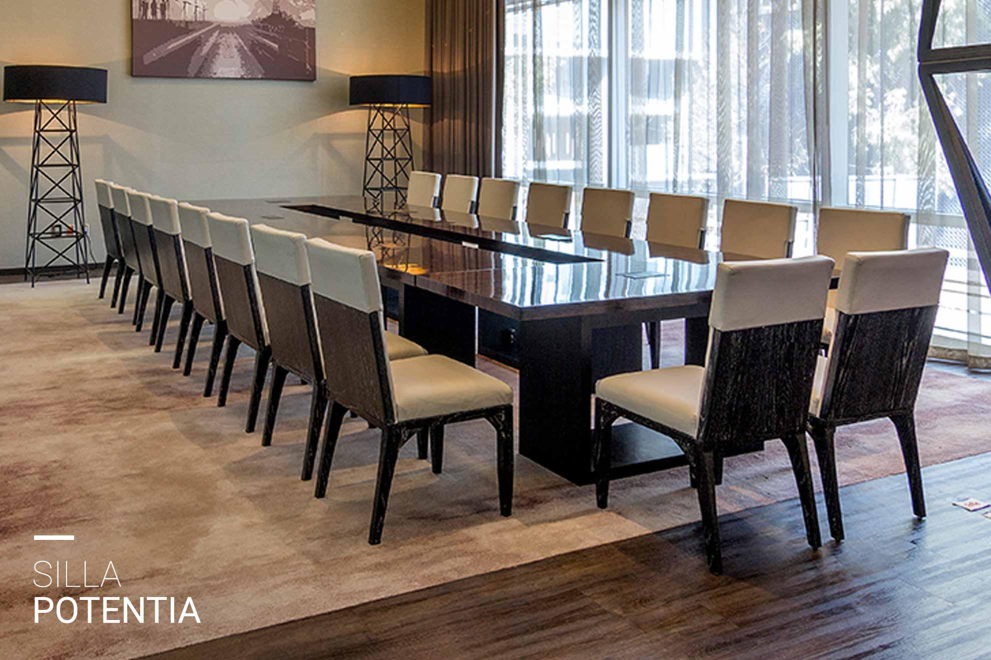 Comedor con sillas de madera encino y tela soft silk creado por Depa 102